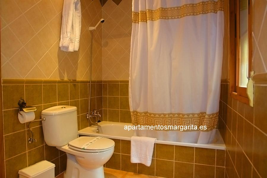 http://www.apartamentosmargarita.es/wp-content/uploads/2014/03/banno-foto1-ulmus.jpg