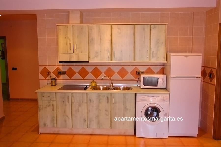 http://www.apartamentosmargarita.es/wp-content/uploads/2014/03/cocina-illicium.jpg