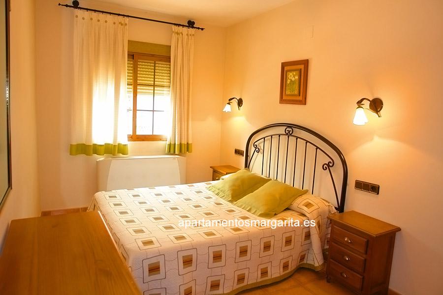 http://www.apartamentosmargarita.es/wp-content/uploads/2014/03/dormitorio-foto2-ulmus.jpg