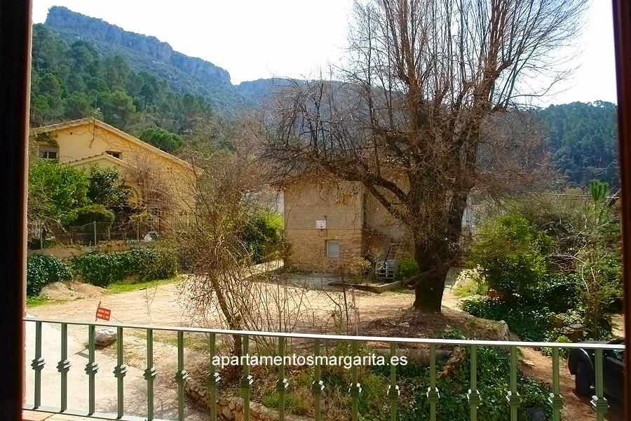 http://www.apartamentosmargarita.es/wp-content/uploads/2014/03/terraza-acebo.jpg