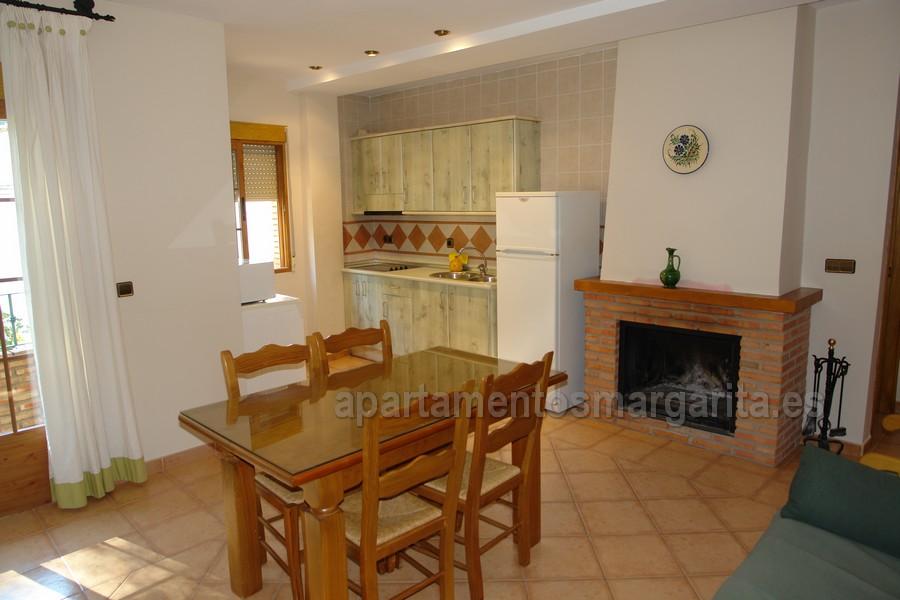 http://www.apartamentosmargarita.es/wp-content/uploads/2017/11/DSC00834-encina.jpg